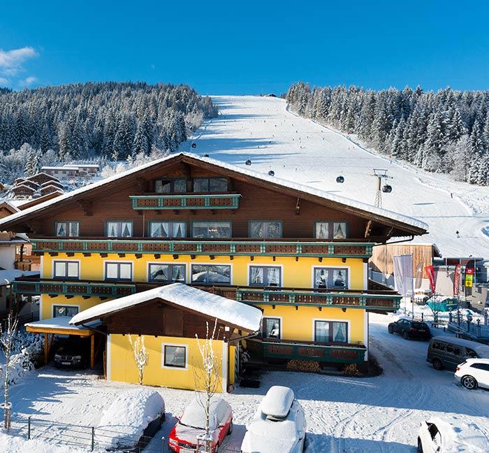 B&B Hotel Die Bergquelle Flachau Salzburg Österreich direkt an der Piste